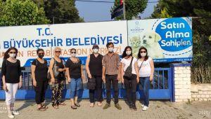 İYİ Partili yöneticilerden Sokak Hayvanları Rehabilitasyon Merkezi'ne ziyaret