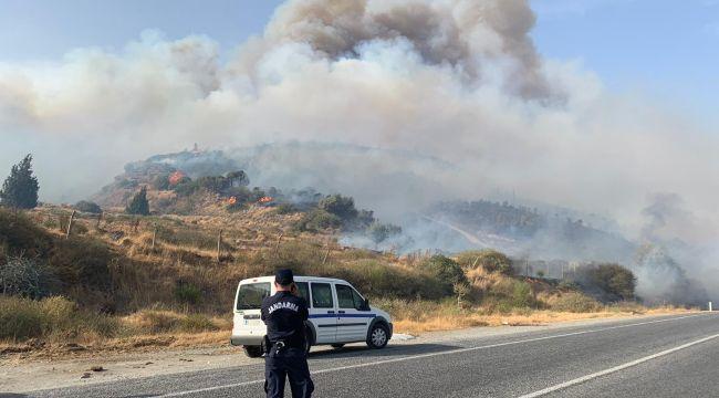 Aydın Büyükşehir İtfaiyesi Söke'deki orman yangınına müdahale ediyor