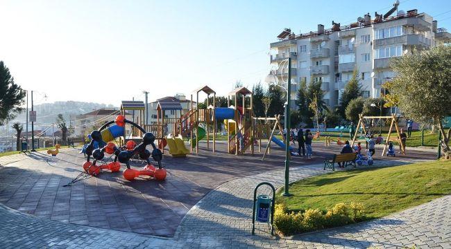 Yeni yapılan parklar Kuşadası'na soluk aldırıyor