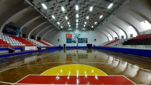 Atatürk Kapalı Spor Salonu yeni görünümüne kavuştu