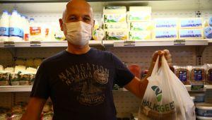 İzmirli vatandaşlar Halk Ege Et'e yoğun ilgi gösteriyor