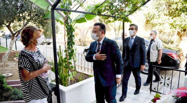 Vali Aksoy, Kuşadası'nda şehit ailelerini ziyaret etti