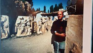 30 yıl önce özel izinle antik kente defnedilmişti; mezarı başında anıldı