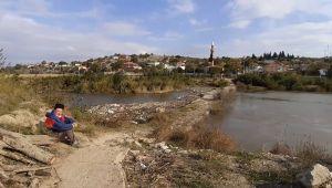 Söke Sarıkemer'deki tarihi taşköprü için doğa severler kampanya başlattı