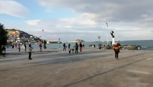 Aydınlılar Büyükşehirin eğitmenleriyle sabah sporu yapıyor