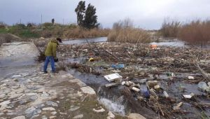 Büyük Menderes Nehri çöplüğe döndü, tehlike çanları çalıyor