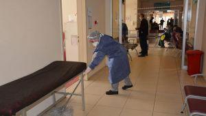 Kovid-19'la mücadelede temizlik personelinin rolü büyük