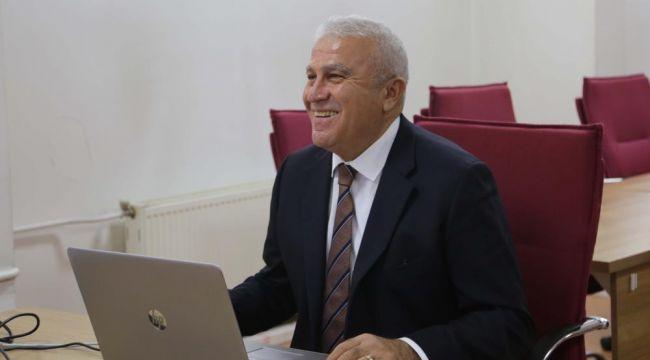 Başkan Atay'dan otizmli çocuklara ve Efelerli kadınlara İngilizce eğitimi