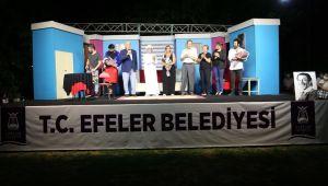 Başkan Atay, Efeler halkını tiyatroyla buluşturdu